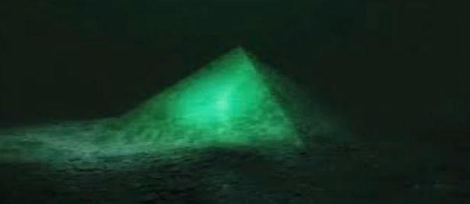 Piramide di cristallo nei fondali del Triangolo delle Bermuda?