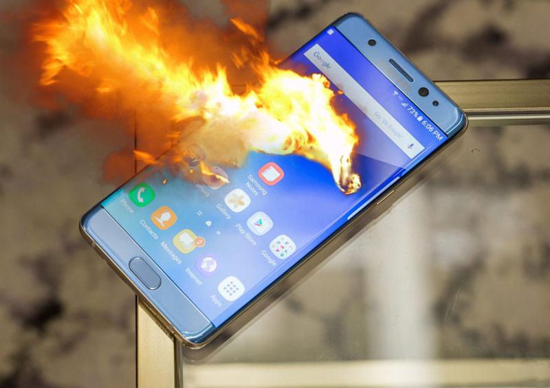 Galaxy Note 7: perché esplodono? Le possibili risposte