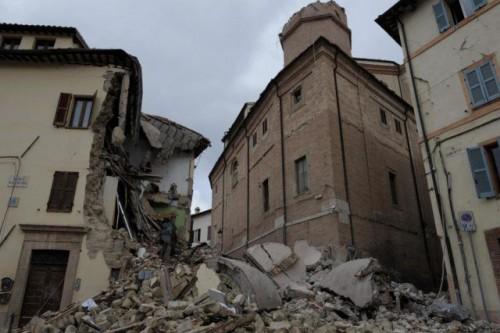 Terremoto: forte scossa nella notte terrorizza gli sfollati