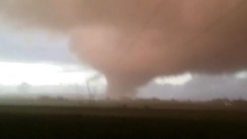 Tornado Cesano/Bracciano: enorme vortice avvistato poco fa