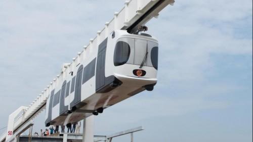 Cina: il treno 'sospeso' ed alimentato a batterie di litio, l'incredibile innovazione