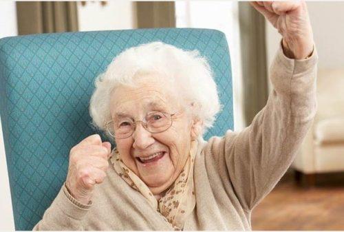 Invecchiamento: forse è reversibile, la scoperta degli scienziati