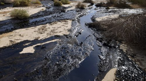 Nord Dakota: oleodotto sversa 600mila litri di petrolio in torrente