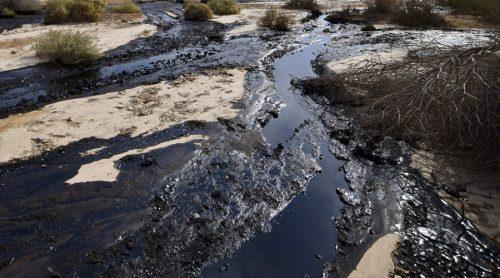 Nord Dakota: oleodotto sversa 600mila litri di petrolio in torrente
