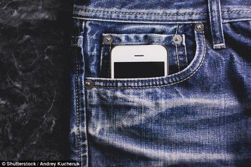 Smartphone e fertilità: il telefonino danneggia gli spermatozoi?