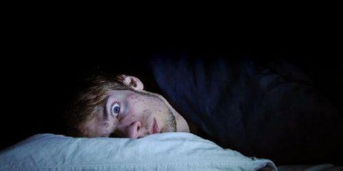 Paralisi del sonno: perché accade? La spiegazione degli esperti