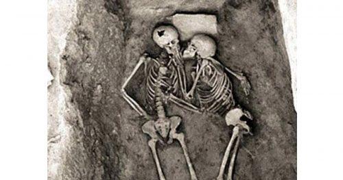 Amanti di Hasanlu: il bacio più antico della storia