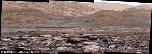 Rocce viola su Marte: la foto di Curiosity del Monte Sharp