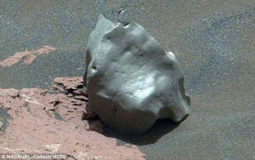 Marte: meteorite in ferro scoperto sul Monte Sharp