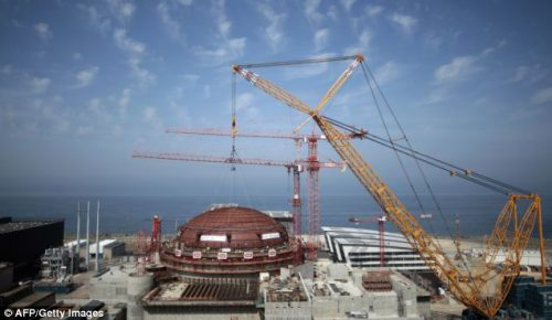 Esplosione in centrale nucleare: paura in Francia