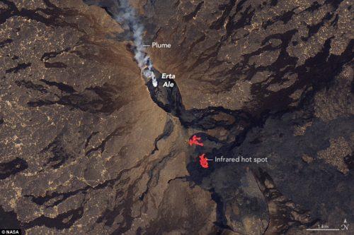 Erta Ale:  cresce il livello dei laghi di lava, osservate nuove spaccature