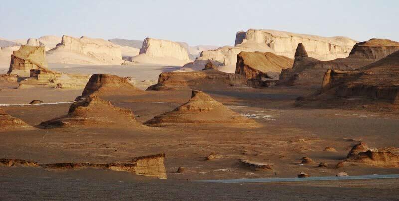 Iran: ben 13 chili di materiale extraterrestre scoperto nel deserto