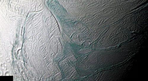 Spazio: l'oceano di Encelado è molto più vicino alla superficie