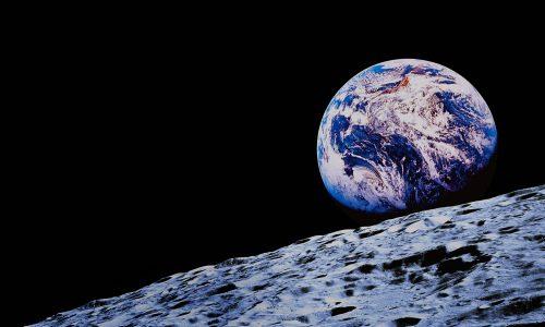 Turisti sulla Luna con SpaceX: l'annuncio ufficiale