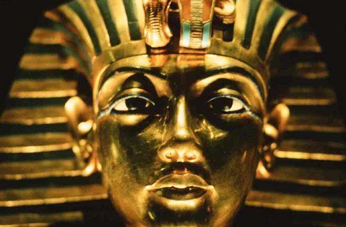 Egitto, scoperta la statua della nonna di Tutankhamon