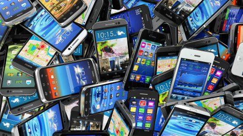 Smartphone: impatto ambientale devastante a dieci anni dall'invenzione