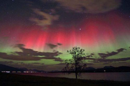 Aurora australe: le immagini del raro fenomeno in Australia