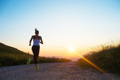 Dimagrire per l'estate: correre è sufficiente per raggiungere il peso forma?