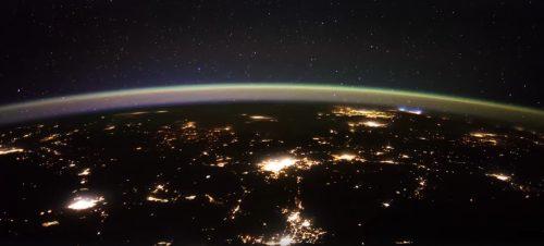 Spazio: misteriose luci osservate dalla Stazione Spaziale, le possibili spiegazioni