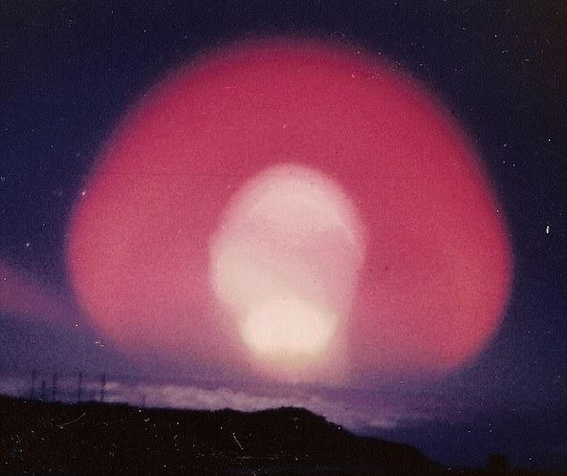 Esplosioni nucleari: le aurore artificiali tra le conseguenze dei test