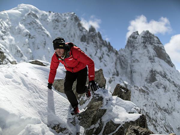 Everest: la scalata record di Jornet senza ossigeno né corde