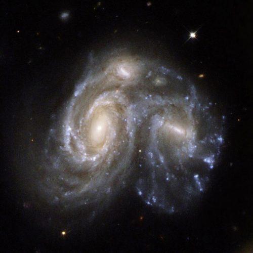Hubble: scontro tra due galassie ripreso dal telescopio spaziale