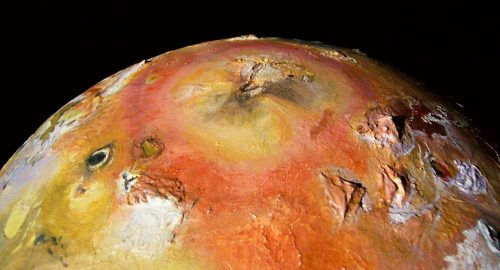 Io, spaventoso lago di lava scoperto sulla luna di Giove