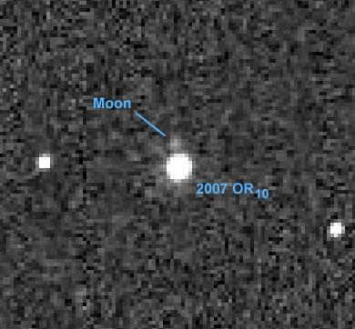 Sistema Solare: scoperto satellite orbitante intorno a 2007 OR10