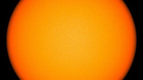 Sole, attività ai minimi: oltre 30 giorni senza macchie solari