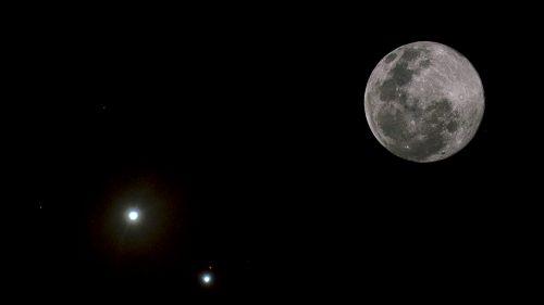 Congiunzione Luna, Marte e Mercurio: come ammirare lo spettacolo