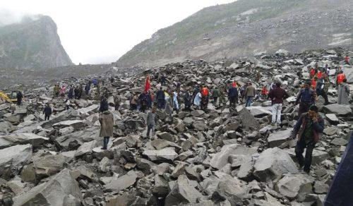 Cina: frana seppellisce 141 persone, situazione drammatica