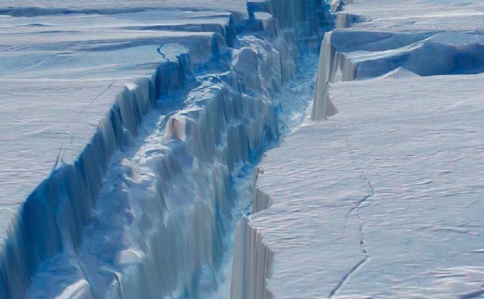 Larsen C: solo 13 km alla formazione del super iceberg