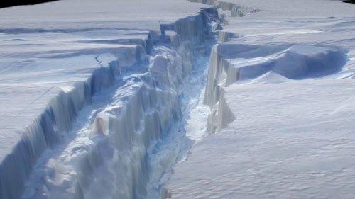 Antartide: il gigantesco iceberg Larsen C si è staccato dalla piattaforma
