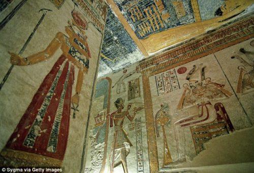 Antico Egitto: scoperte antiche 'recensioni' nella tomba di Ramses  VI