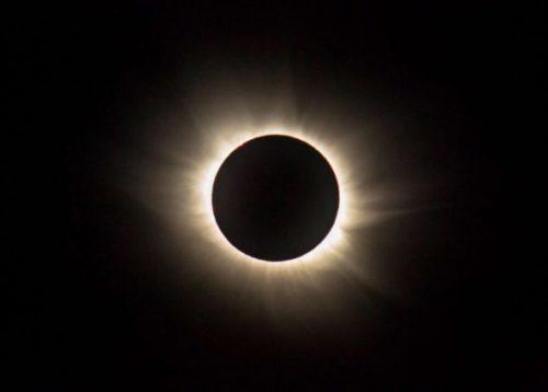 Eclissi di Sole: come vederla, diretta live streaming