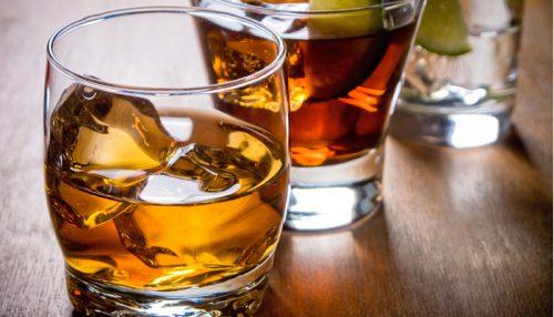 Bere alcol migliora la memoria: i risultati della ricerca