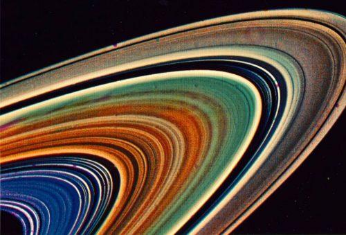 Anelli di Saturno: quando si sono formati? I dati di Cassini