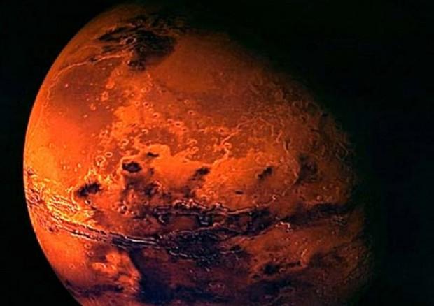 Marte: Curiosity riprende le nuvole del pianeta rosso