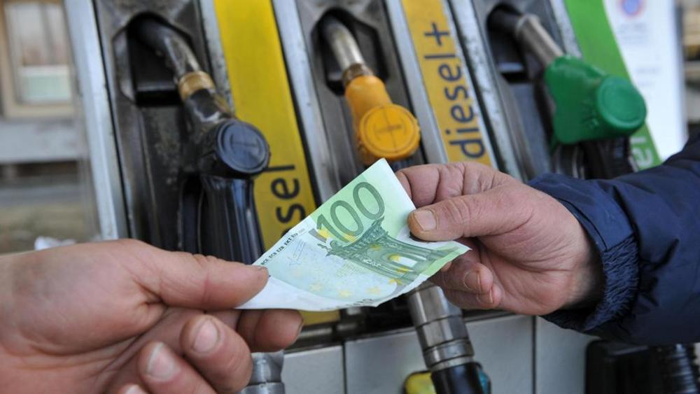 Conseguenze dell'uragano Harvey: rincari sulla rete carburanti italiana