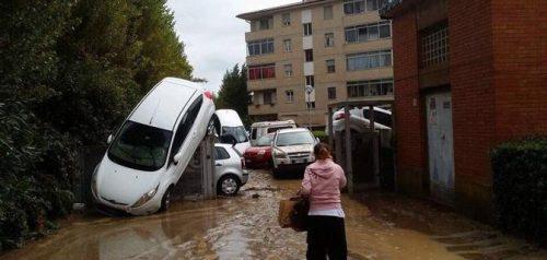 Alluvione a Livorno: morti e dispersi, situazione grave in provincia