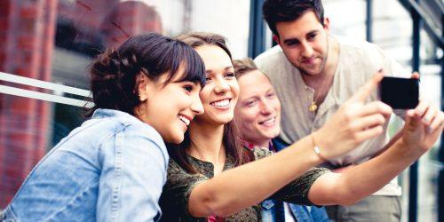 Giovani: i diciottenni di oggi sono come i quindicenni di ieri