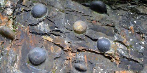 Cina, il mistero delle uova di roccia del Monte Gandeng