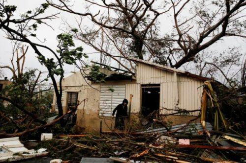 Uragano Maria: l'isola di Porto Rico rasa al suolo