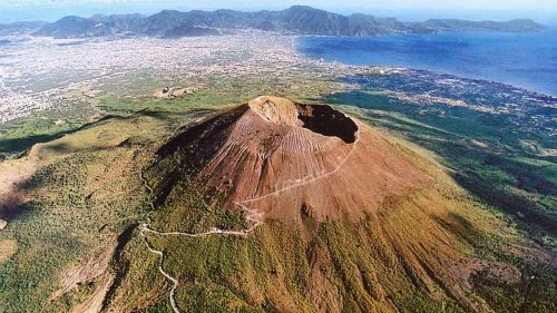 Vesuvio, registrate 16 scosse in poche ore