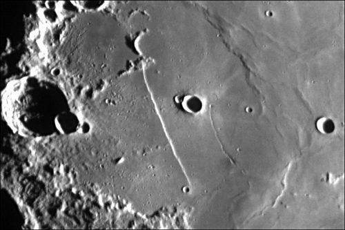 Recta, la curiosa faglia della Luna visibile in questi giorni