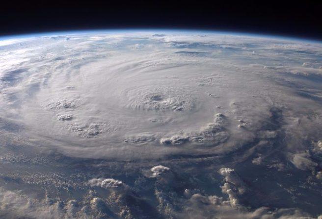 Ophelia diventa uragano categoria 2, direzione confermata verso Europa