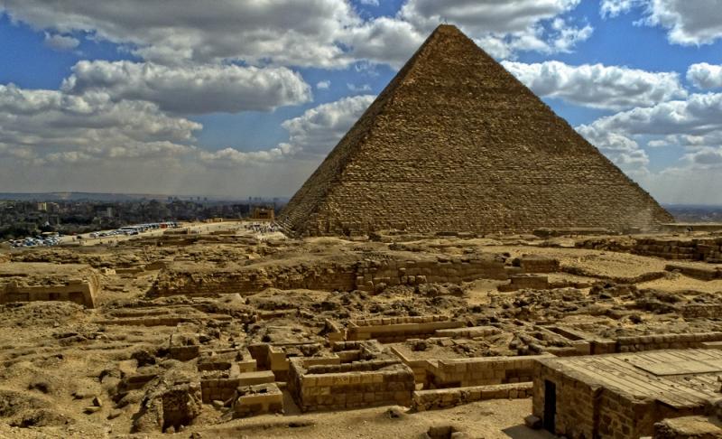 Piramide di Cheope: un trono in ferro meteorico nella camera scoperta?