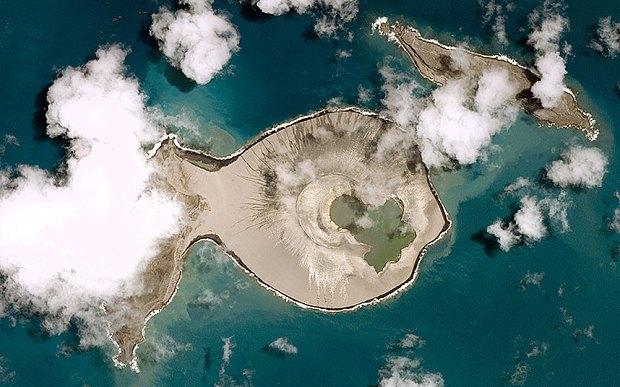 La neonata isola di Tonga è ancora lì, la sorprendente scoperta