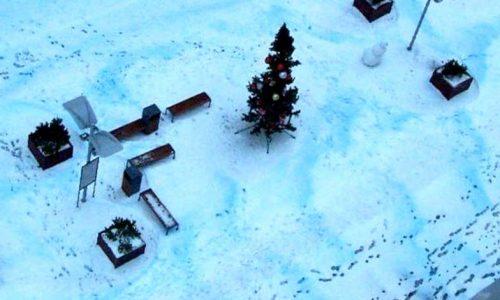 Cade neve blu a San Pietroburgo, cittadini preoccupati