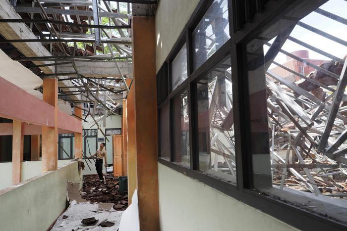 Terremoto Indonesia: danni, evacuazioni e due morti